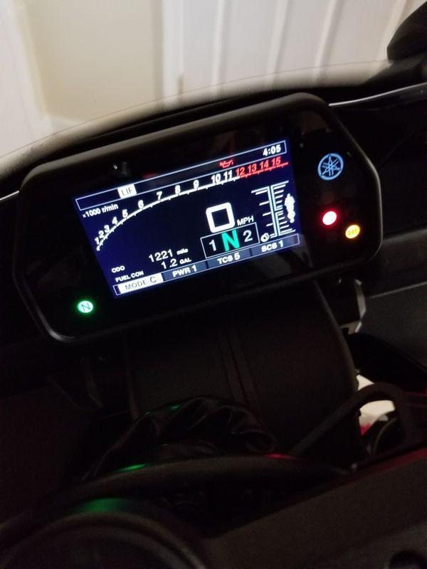 2016 Yamaha r1s