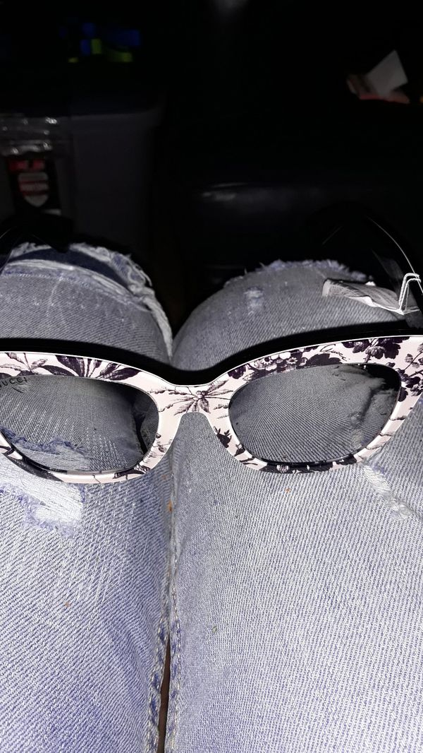 Gucci glasses brand new for sell 60$