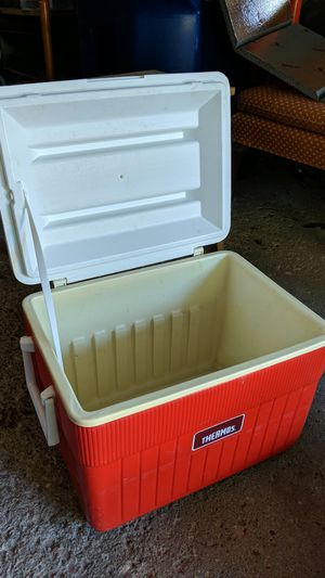 Red Thermos cooler for Sale in Pittsford, NY
