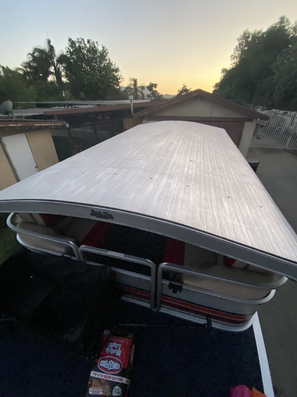 Kayot skipper xl 24 footer pontoon boat , updated tags , works really great just fixed the engine and have been using it at Perris lake , well take o