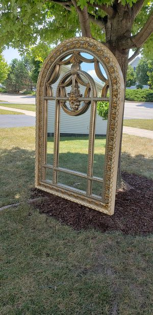 Large wall hanging mirror for Sale in Montgomery, IL