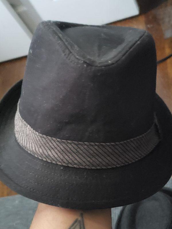 2 fedora hats