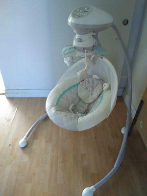 FisherPrice Baby Swing for Sale in Moreno Valley, CA