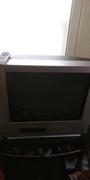 Built in Vhs and dvd player tv for Sale in Kalamazoo, MI