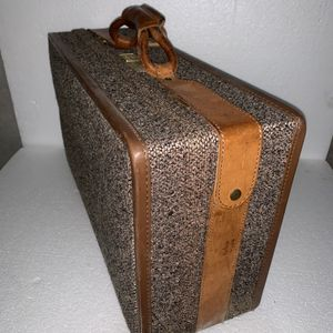 """Vintage 21"""" Hartmann Brass Leather Tweed Damask Luggage Suitcase for Sale in Plymouth, MN"""
