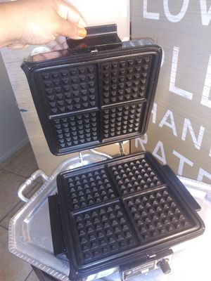 Black & Decker griddle and waffle maker for Sale in West Palm Beach, FL