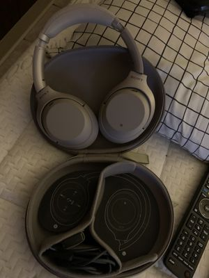 Sony headphones wh1000mx3 for Sale in Baltimore, MD