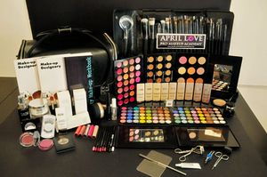 Complete makeup kits for Sale in Long Beach, CA