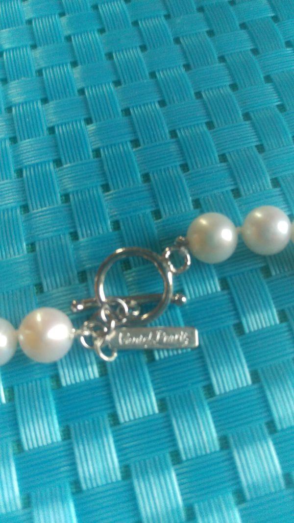 Vantel pearl necklace