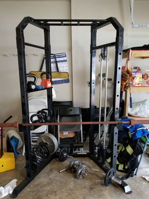 Power rack with weights for Sale in Humble, TX