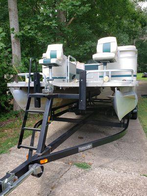 Pontoon Boat smokercraft/Bentley for Sale in Woodstock, GA