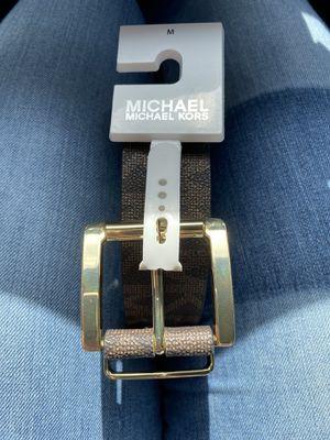 Michael Kors belt size medium for Sale in Hialeah, FL