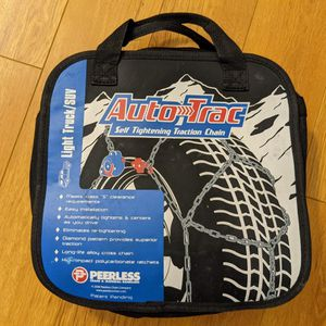 SELF TIGHTENING SNOW TIRE CHAINS - FOR SUV & LIGHT TRUCKS for Sale in Los Angeles, CA