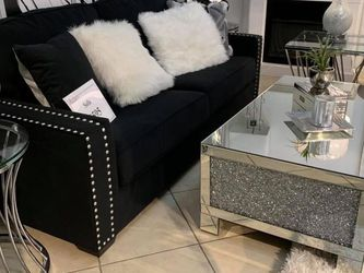 Sofa With Nailhead Detail (Modern Home Furniture ) for Sale in undefined