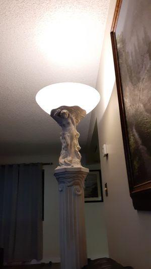 6ft long ceramic lamp for Sale in Victorville, CA