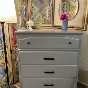 Vintage Grey Four Drawer Dresser/Chest of Drawers for Sale in Kent, WA