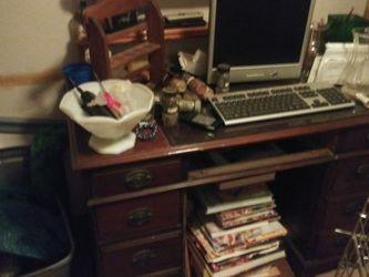 Antique desk for Sale in Baltimore,  MD