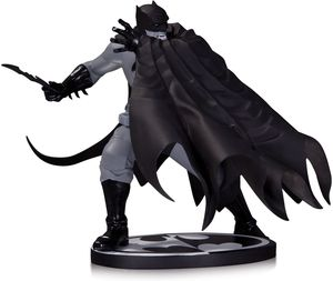 DC Collectables Dave Johnson Batman Statue Factory Sealed for Sale in Las Vegas, NV