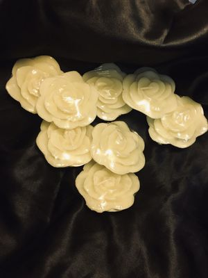 Ivory Rose Floating Candles for Sale in Kodak, TN