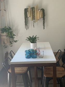 High modern Table + 4 Chairs for Sale in Seattle,  WA