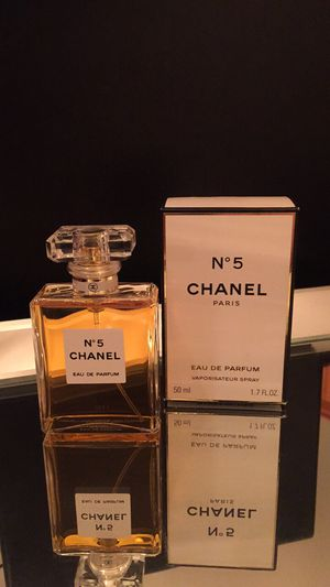Chanel No5 Parfum BNIB for Sale in Lake in the Hills, IL