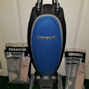 Oreck Magnesium upright vacuum cleaner with swivel steering and HEPA filter for Sale in Damon, TX