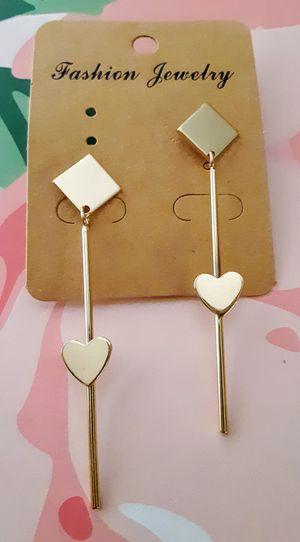 New lightweight goldtone stem diamond-shapes & hearts dangle post earrings for Sale in Fullerton, CA