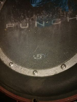 10 inch Rockford Fosgate Punch Subwoofer and small 88 watt amp for Sale in Raymond, WA