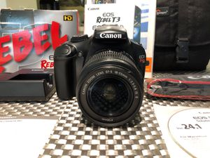 Pristine Condition Camera with FREE add ons- Canon EOS Digital Rebel T3 for Sale in San Francisco, CA