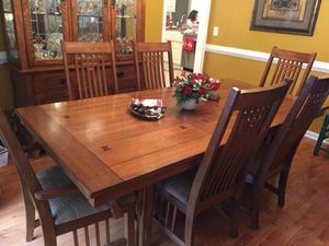 Haverty's Dinning Room Set for Sale for sale  Dallas, GA