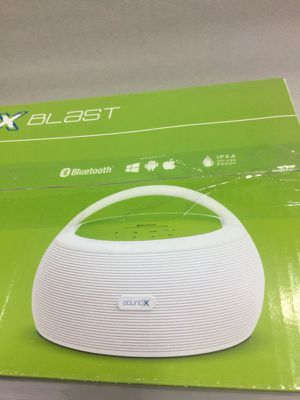Soundx blast outdoor/indoor portable rechargeable deep bass Bluetooth speaker for Sale in San Francisco, CA