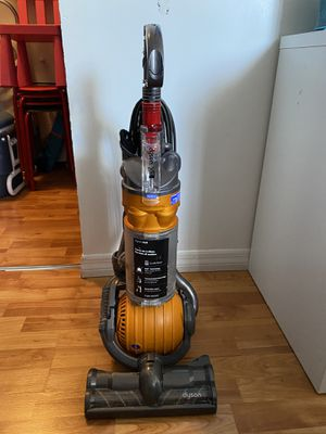 Dyson DC24 All Floors Ball Vacuum Cleaner for Sale in Miami Beach, FL