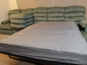 Free Sofa Bed for Sale in Bellevue, WA