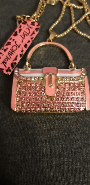 BNWT BETSEY JOHNSON PINK PURSE for Sale in Wheat Ridge, CO