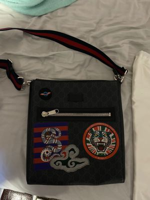Mint condition Gucci bag from Paris for Sale in Orlando, FL