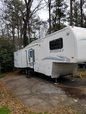 99 hitchhiker fifth wheel 33ft for Sale in Marietta, GA