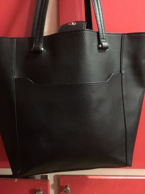 Black REACTION KENNETH COLE PURSE for Sale in Glendora, CA
