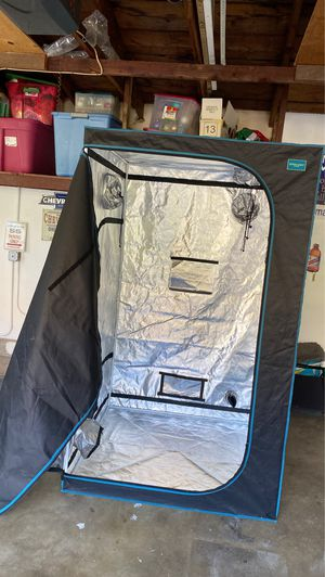 Pulent system grow tent for Sale in Duarte, CA
