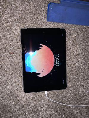 I pad 6th gen fairly new cellular sprint for Sale in Dallas, TX