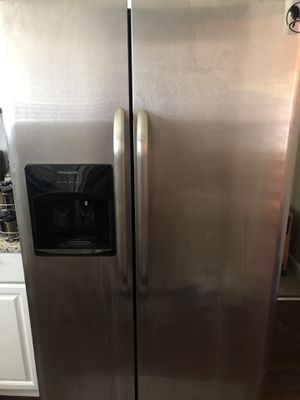 Frigidaire Stainless Steel Refrigerator for Sale in Decatur, GA