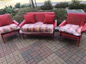 ALL METAL OUTDOOR PATIO CONVERSATION SET for Sale in Long Beach, CA