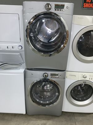 FRIGIDAIRE STEAM XL CAPACITY WASHER DRYER ELECTRIC for Sale in Vancouver, WA