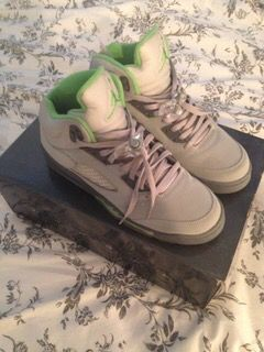 Green bean and Grey Jordan 5 -size 6 for Sale in Portland, OR