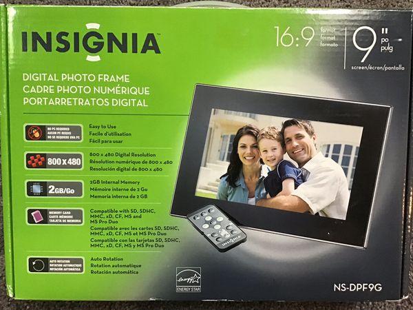 """Insignia 9"""" digital picture frame"""