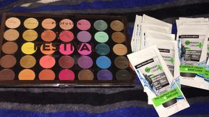 Profusion festival palette with 20 face masks for Sale in Chicago, IL