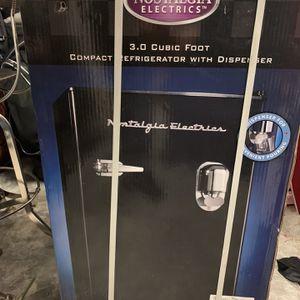 Mini Fridge W Dispenser Brand New for Sale in Ridgefield, WA