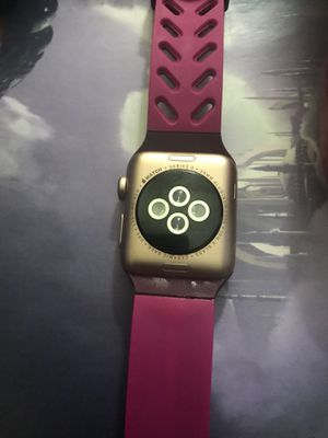APPLE WATCH SERIES 3 just for parts only for Sale in Los Angeles, CA