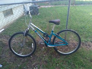 Giant mountain bike for Sale in Melvindale, MI