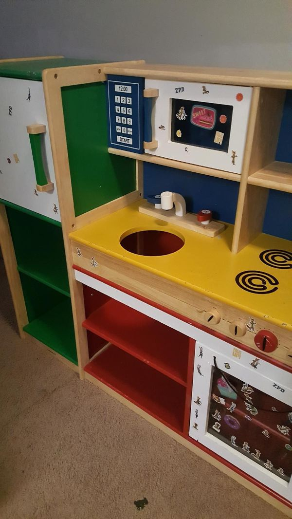 Wooden kitchen play $9 OBO