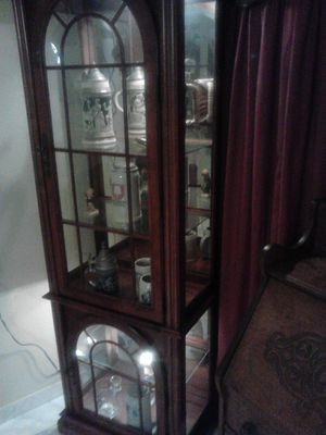 Solid mahogany wood curio cabinet mirrored lighted Mirrored for Sale in Tampa, FL